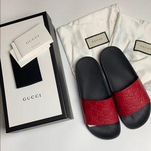 100% Authentic Gucci Signature Hibiscus Red Slides